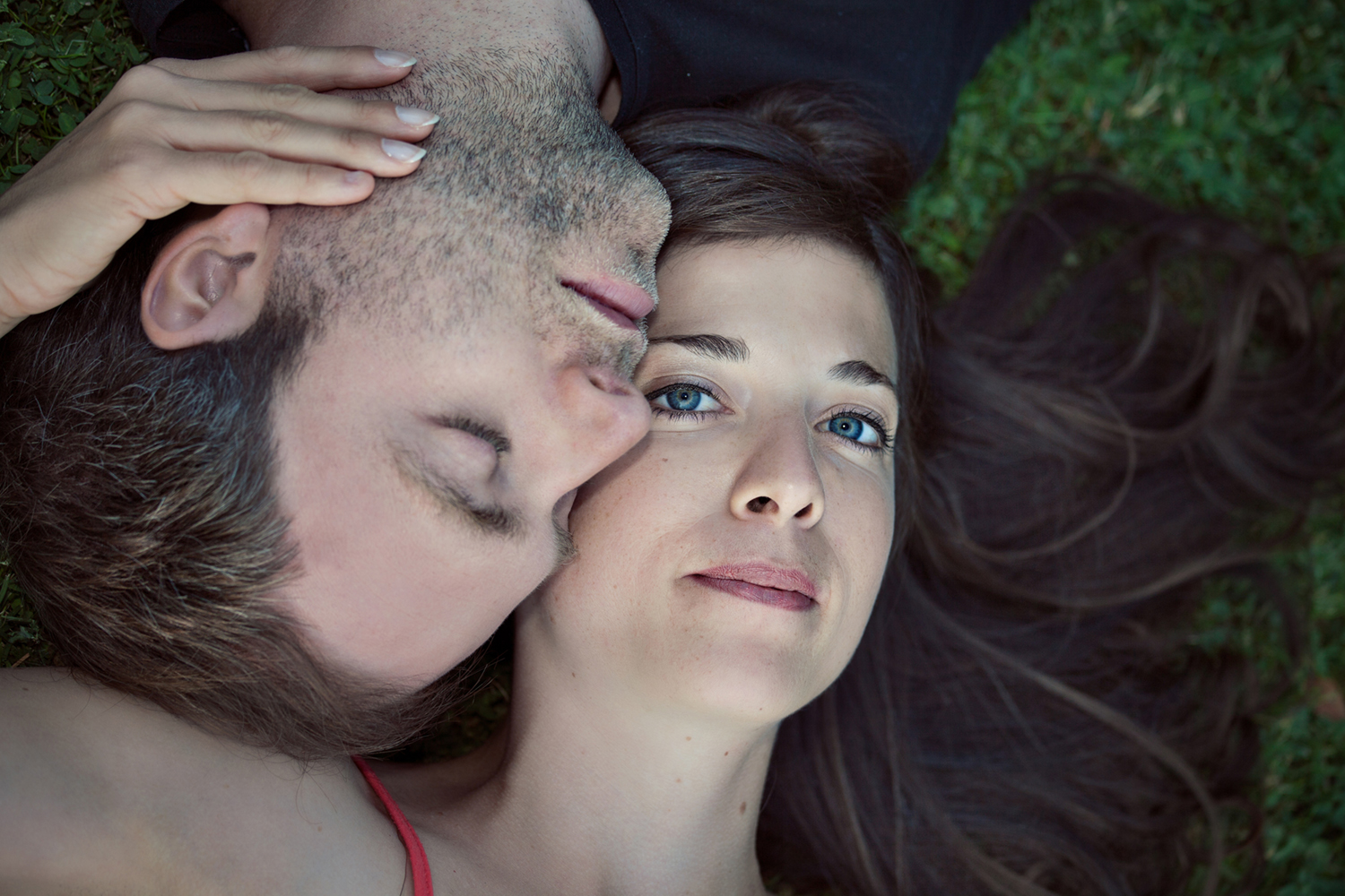 Outdoor Portrait of couple by Mayumi Acosta Photography.jpg