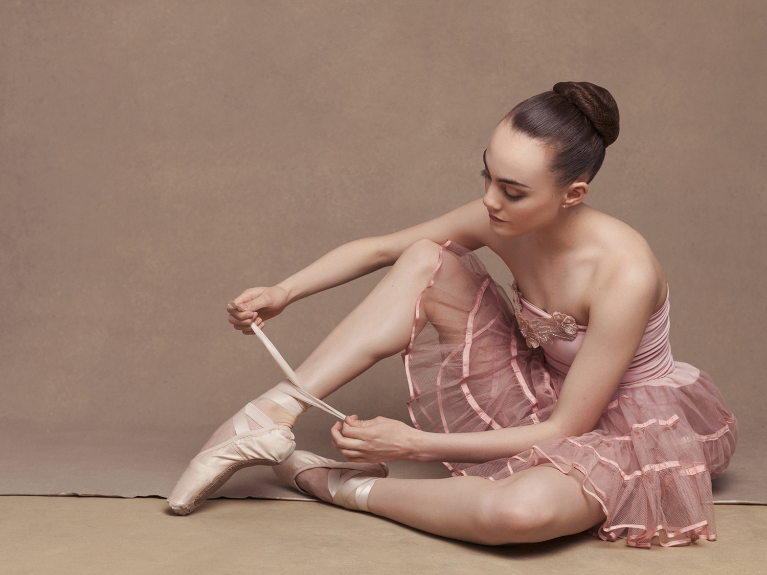 Beautiful Studio Portrait of Sacramento Ballet Dancer by Mayumi Acosta photography.jpg