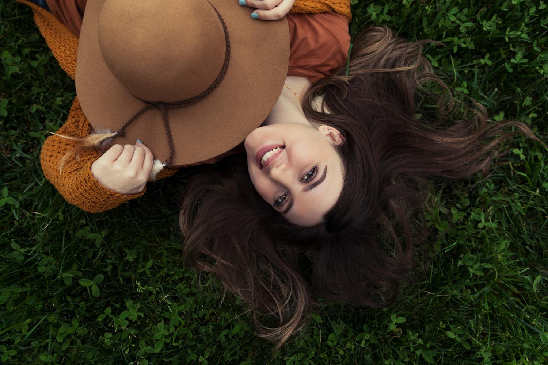 Candid fall inspired portrait of high school senior by Mayumi Acosta.jpg