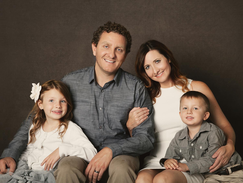 A beautiful Family Portrait by Mayumi Acosta Photography.jpg