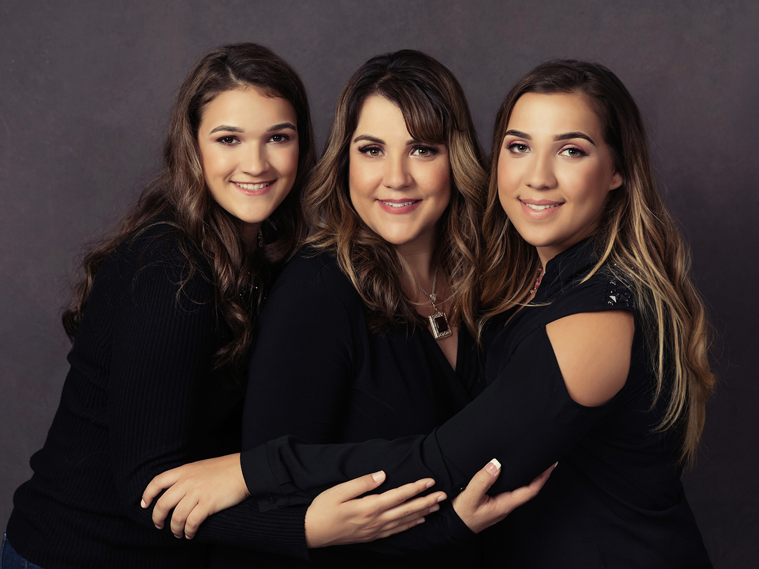 Photography of mother and daughters by Mayumi Acosta in Sacramento CA.jpg