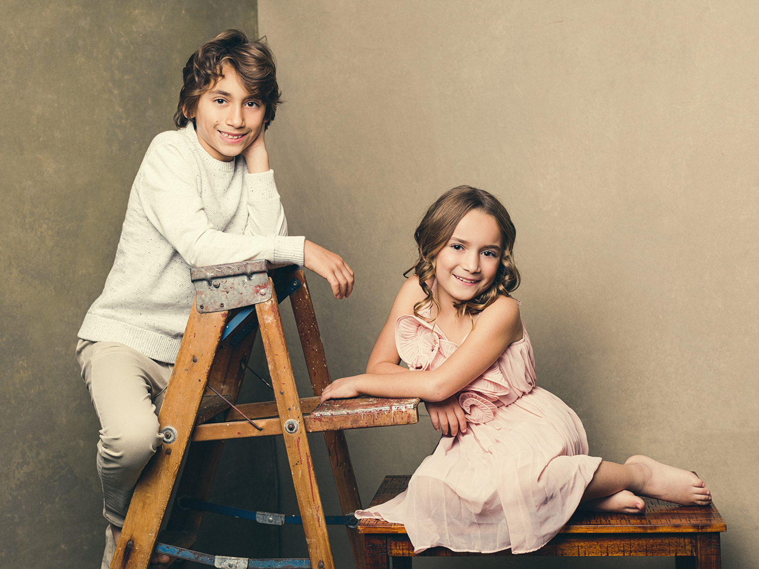 Photography of brother and sister by Mayumi Acosta.jpg