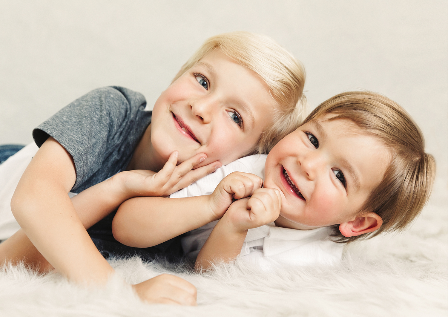 Portrait of little brothers by Mayumi Acosta Photography.jpg