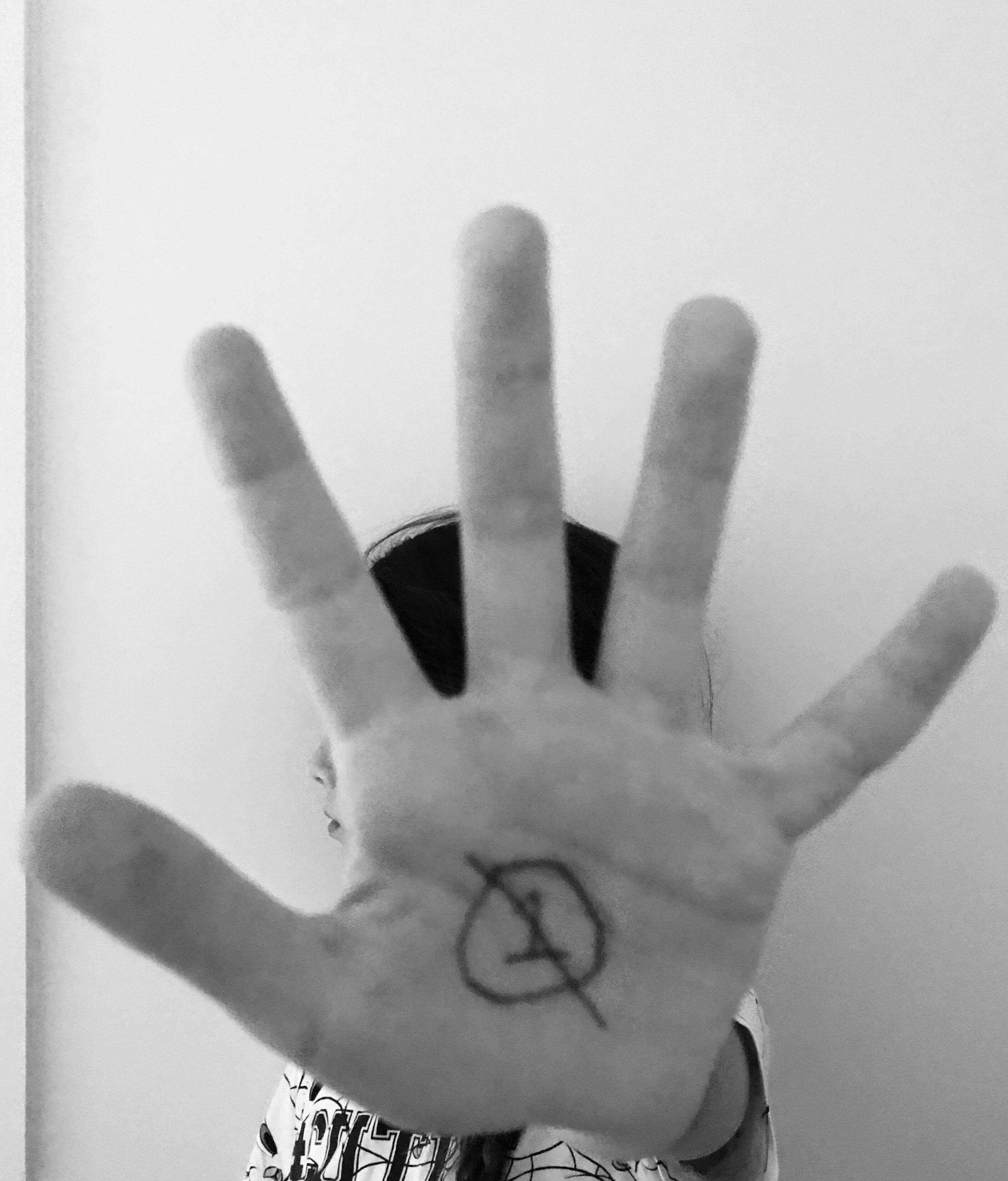 NEO Hand Donna_02.jpg