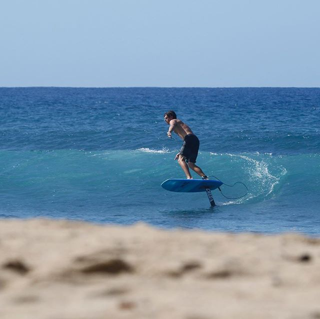 @evannetsch finding some fun ones in Puerto Rico this week! . . . #deltasurffoils #foilsurfing #foilsurf #hydrofoil #foil #watersports #ocean #surf #puertorico #customsurfboards