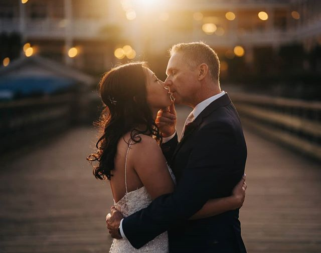 Sometimes the sunset you're hoping for doesn't happen so you just have to fake it with your flash and #magmods ! . . . . #wedding #couple #magmod #magnetmod #flash #Sunset #strobist #Vancouverisland #vancouverislandweddingphotographer #sooke #sookewedding #prestige #sookeprestige #prestigeoceanfrontresort #jonmarkphoto #sony #bokeh #ourcoastalcollective