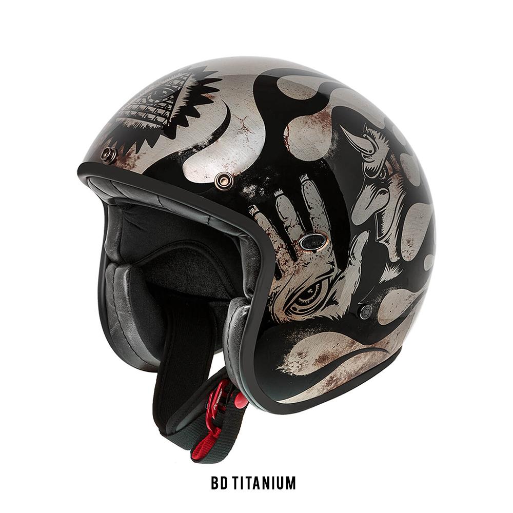 LE-PETIT-CLASSIC-BD Titanium_TEXT.jpg