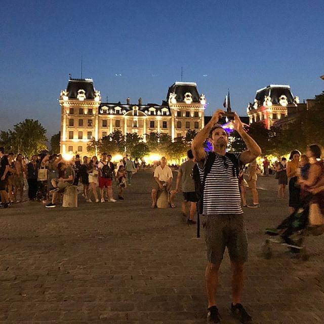 Evening in Paris.... https://www.twoartiststravel.com/paris-france https://www.twoartiststravel.com @susanstoverart @amandajolley #twoartiststravel #artandtravel #artandculture #travelwithus #artisttravel #inspiredtravels  #adventureawaits #localartisans  #culturalimmersion #artists #paris #france #artistresidency #architecture #museums #workingartist