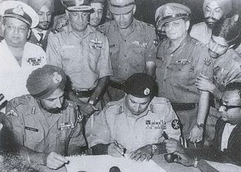 Pakistani Eastern Command, signing document of surrender.