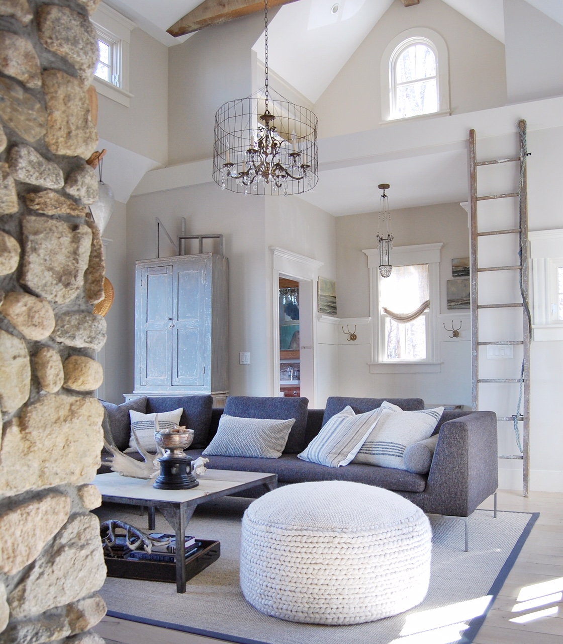 New England beach cottage living room with a collected mix of vintage and modern. Design by Sandra Cavallo, @oldsilvershed
