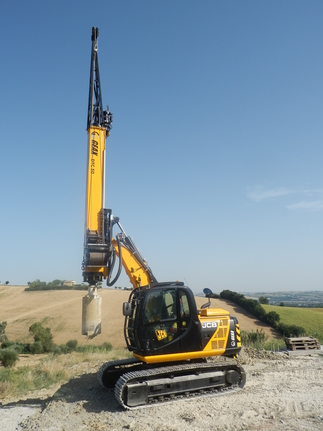GEAX DTC50  Compact Piling Rig