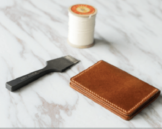 BIFOLD LEATHER CARDHOLDER.png