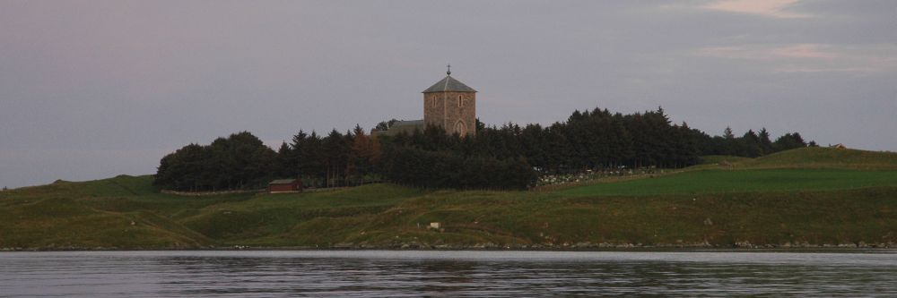 The 13th century St. Olaf's Church on Avaldsnes in 2004. Photo: Augvald Granbane.