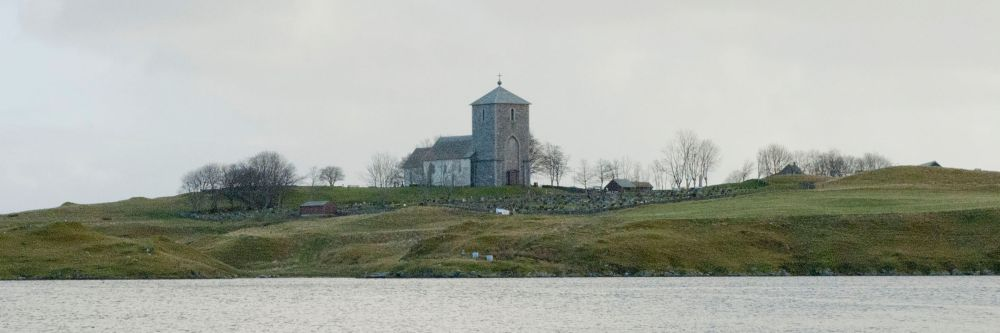 St. Olaf's Church on Avaldsnes in 2012. Not a spruce in sight. Photo: Augvald Granbane.