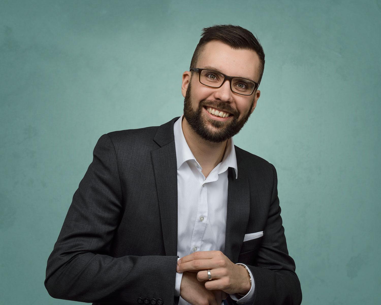 Studiofotografering med Johan Kvarnström, inför riksdagsvalet.