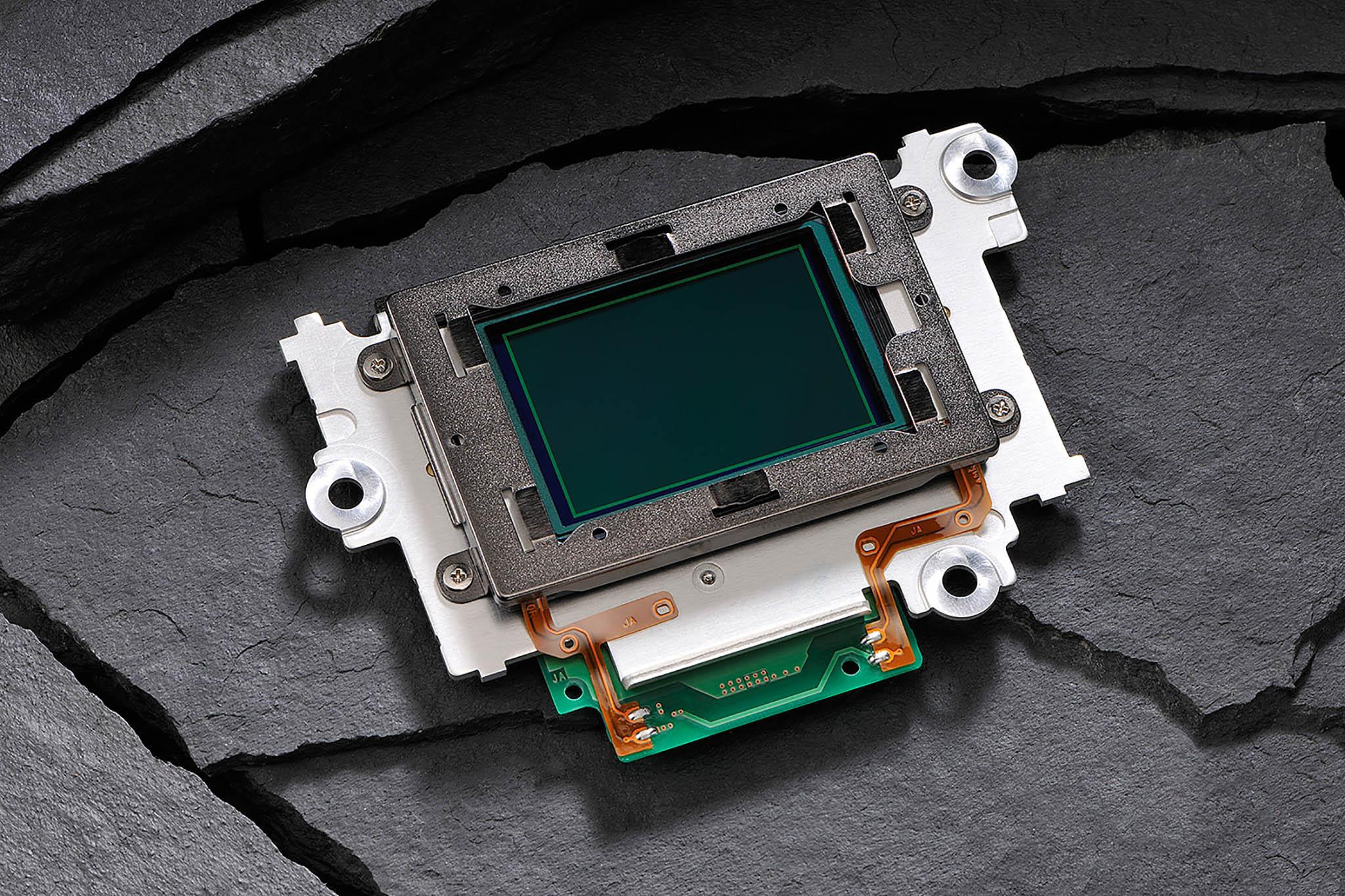 Sensoren er den digitale erstatning for film, dvs. det er den der fanger lyset.