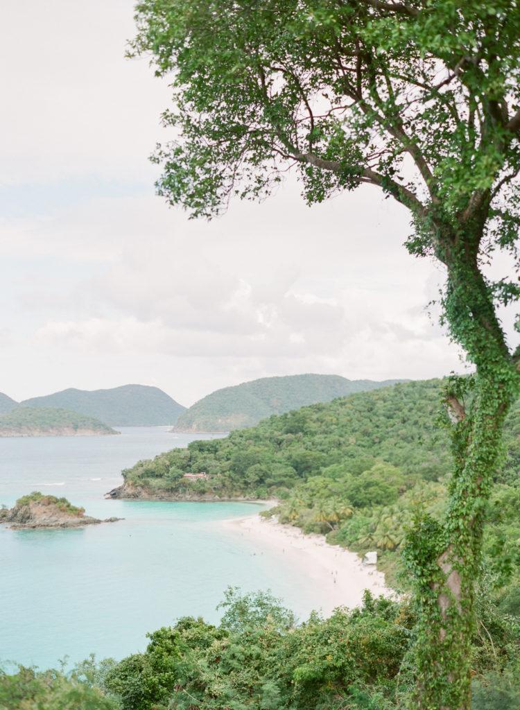wedding-photographer-caribbean-000094770011-750x1024.jpg
