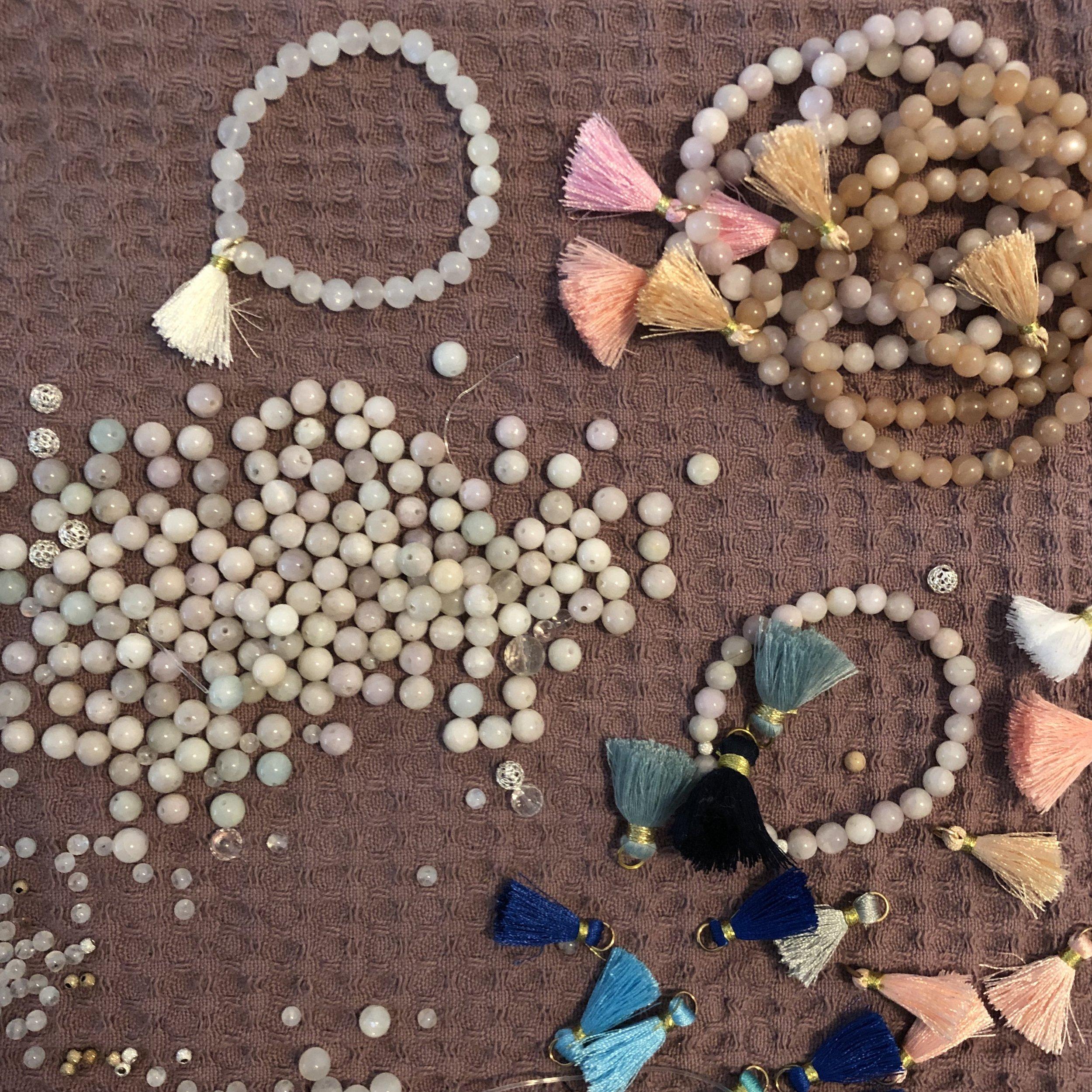 Bracelet en cours de création - bijoux suisse.jpg