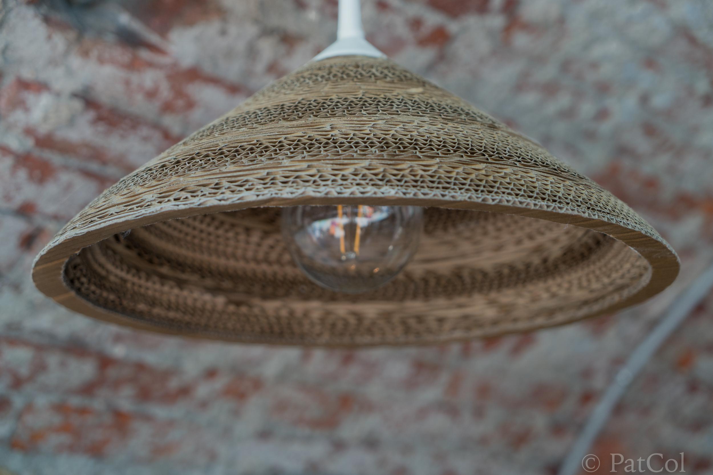 Lampe plafonnier, rondelles de cartons.jpg