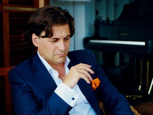 Pablo Mielgo conducted on February 21 and 22 one of the most important works of the symphonic repertoire of all time. The ninth symphony by Gustav Mahler was performed by 120 musicians including the OSIB and its Academy. -