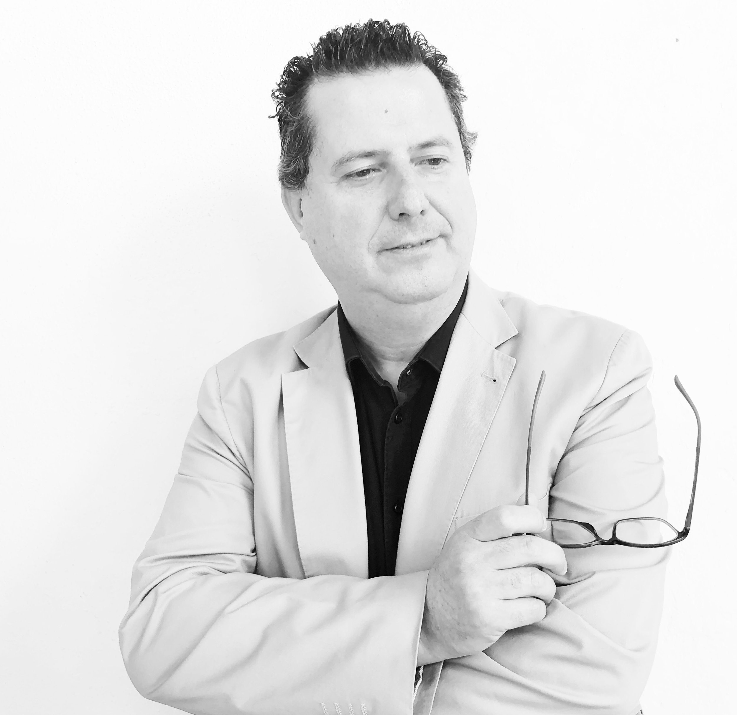 "ESTIUS SIMFONICS - SOLOISTSANDREU RIERA, PIANOPROGRAMPrélude a l'après-midi d'un faune C. Debussy""Noches en los jardines de España"" M.de Falla""Cuatro Estaciones"" A. PiazollaTres danzas españolas E. Granados"