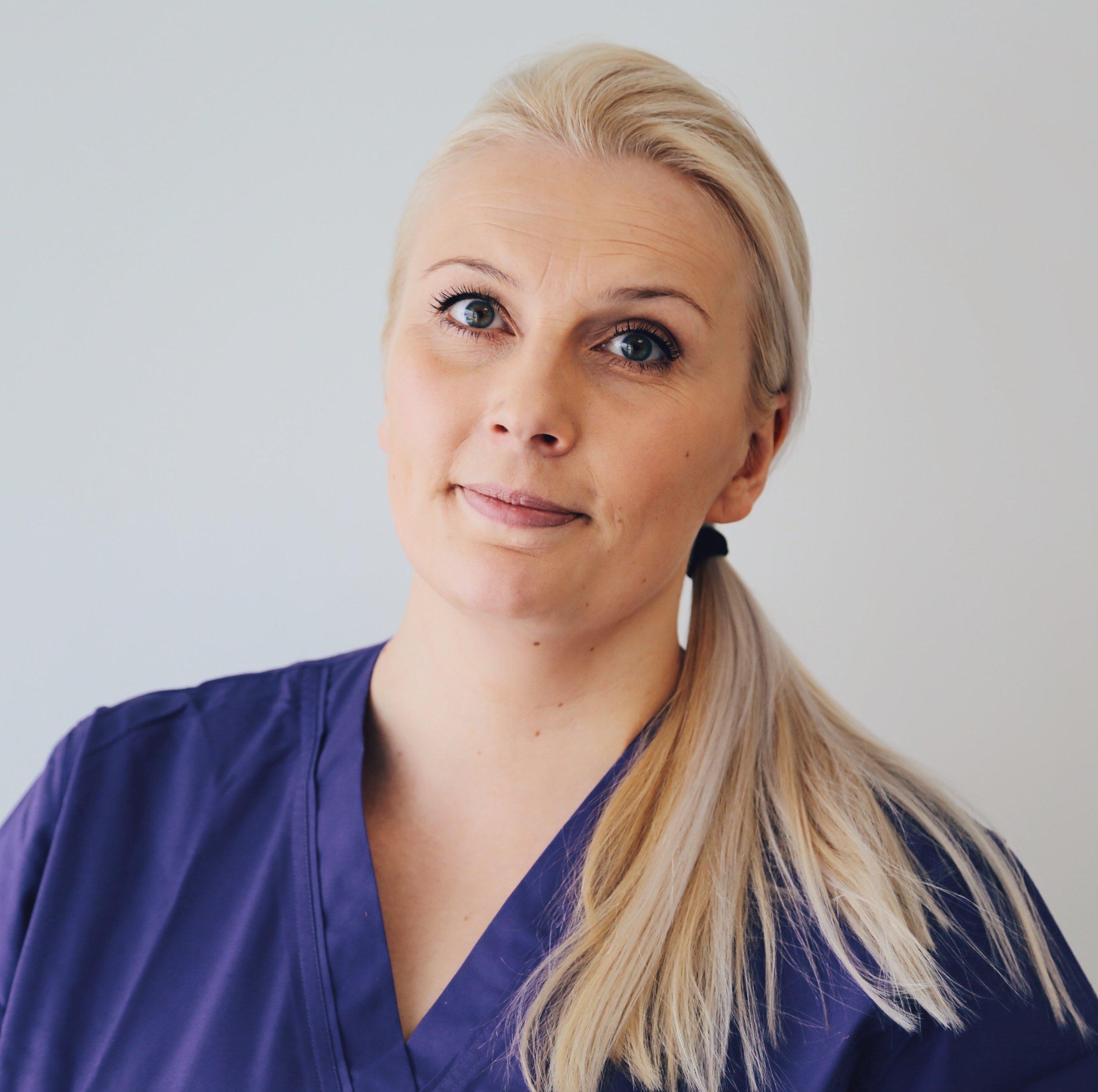 Hanna Mustaparta   Klinikkaeläinhoitaja