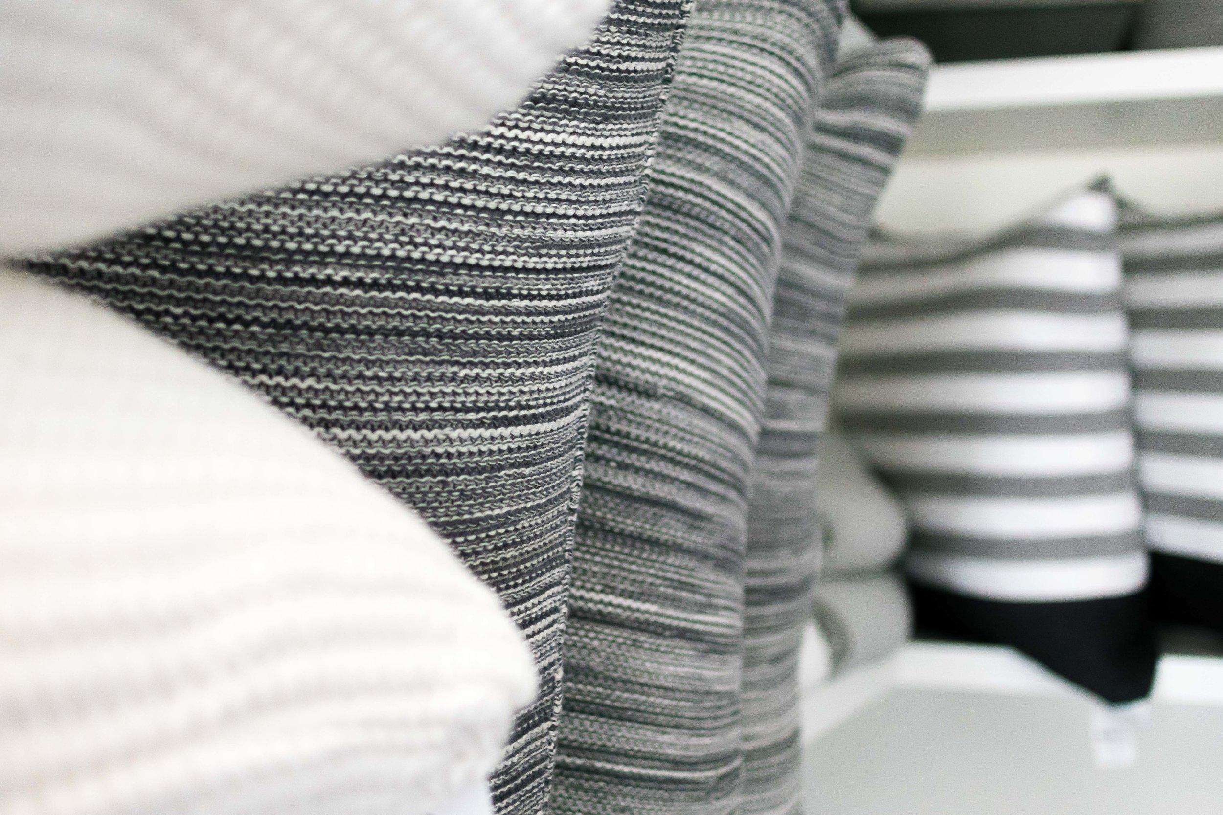Pillows & Throws -