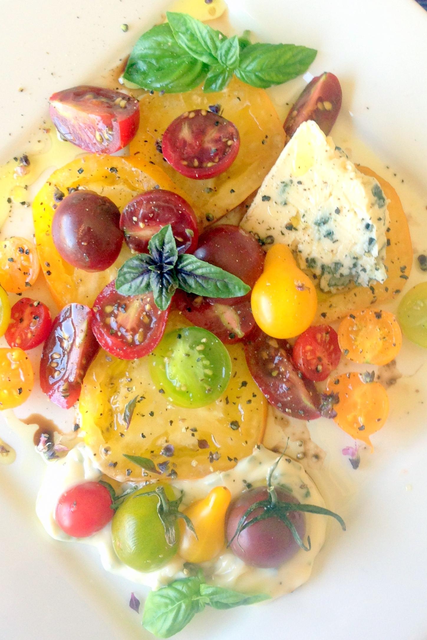 Tomatoes-close-up-long-2.jpg