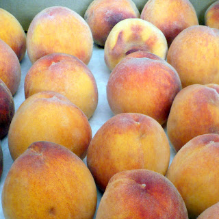 10 pounds of peaches!