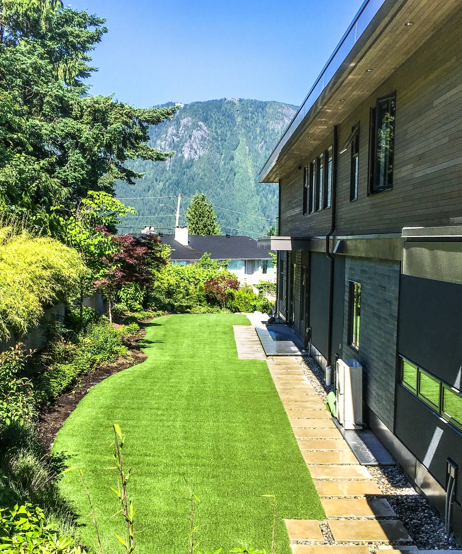 Residential Lawn using Perfect Turf