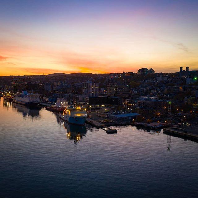 A beauty St. John's sunset 🌅  #sunset_pics #lovestjohns #yyt #explorenl #exploreeast #explorecanada #djimavicpro2 #dronestagram