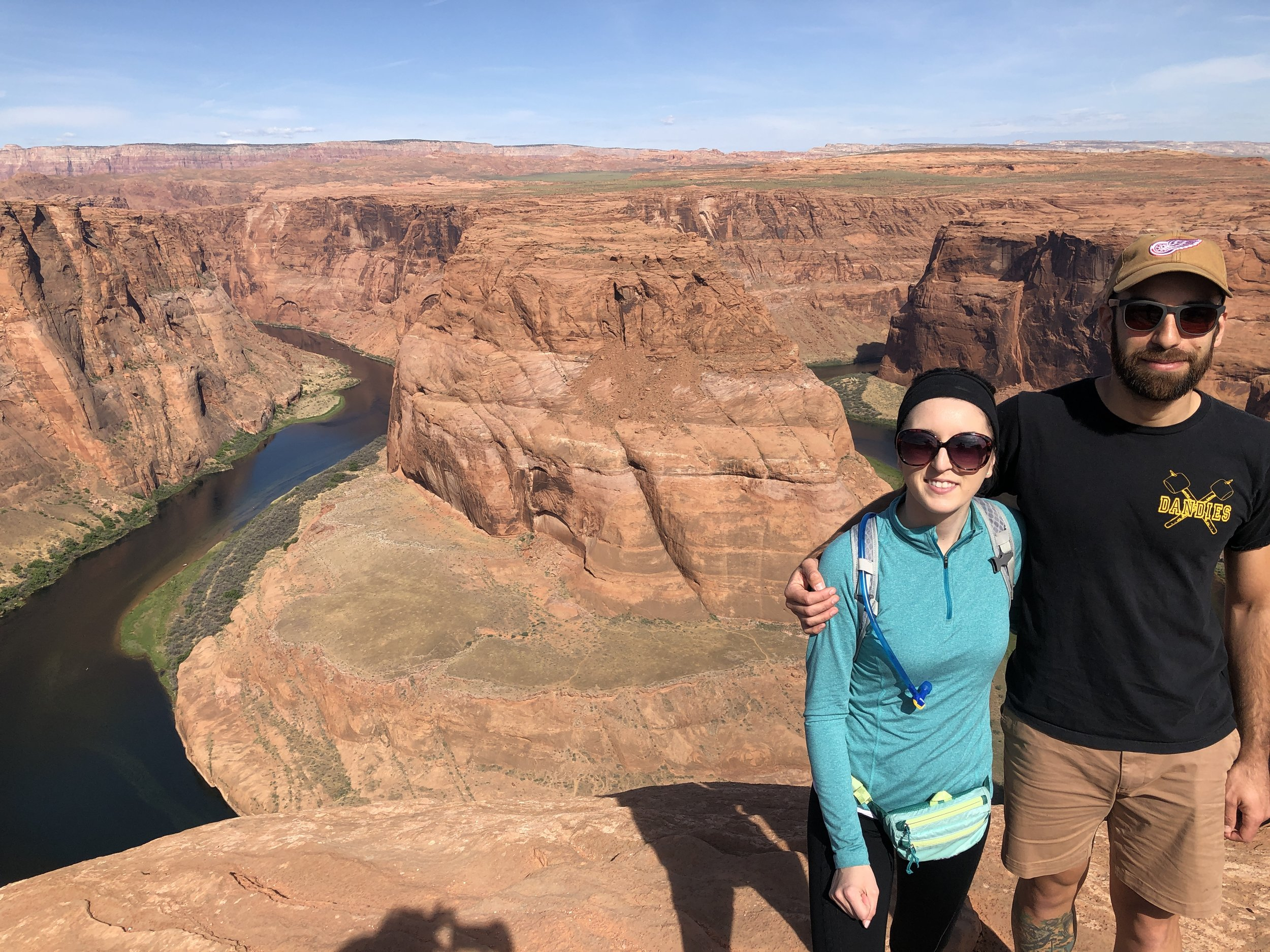 out-office-adventure-hike-horseshoe-bend-utah