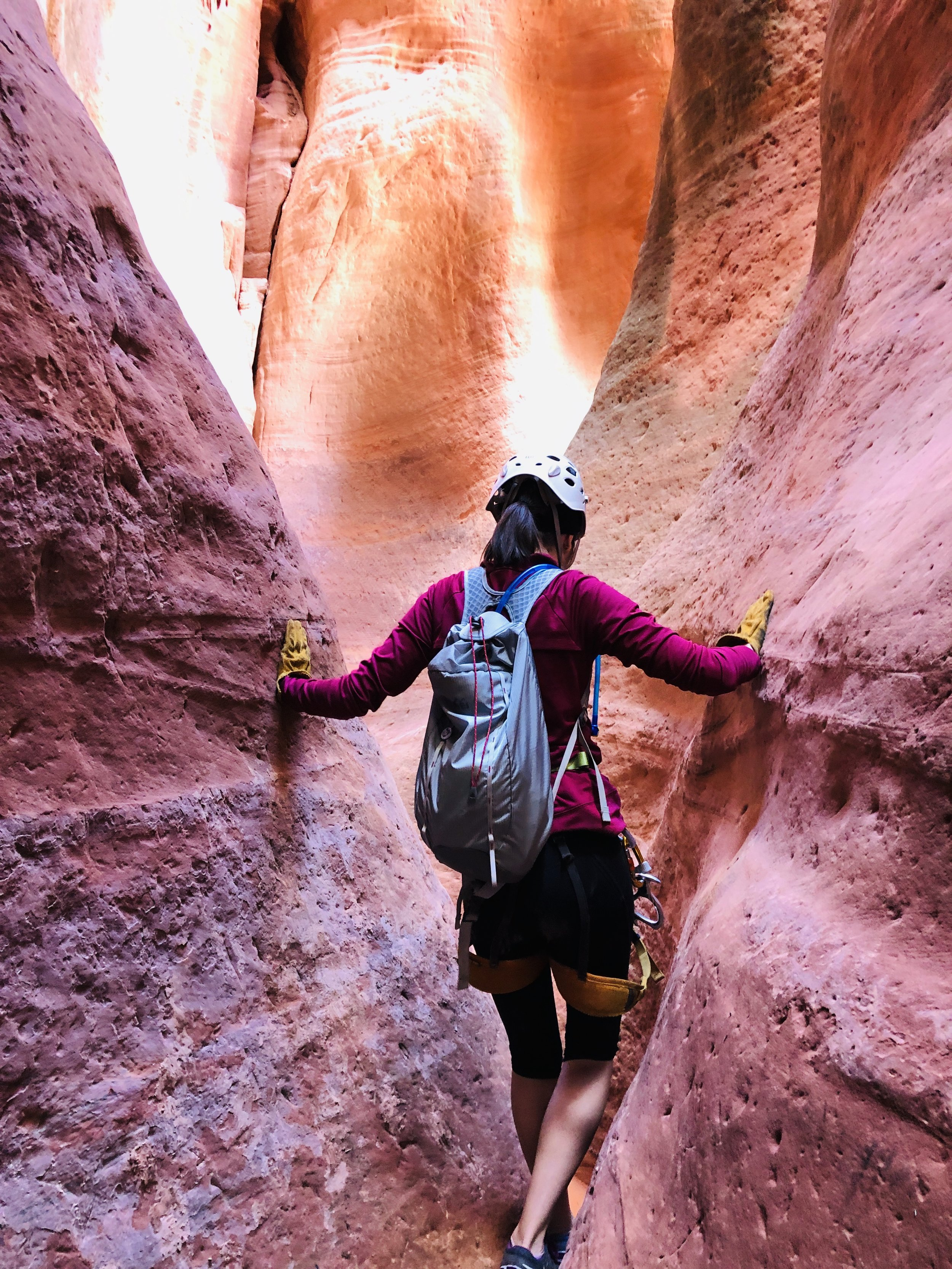 slot-canyon-airbnb-experience-east-zion-adventure-hiking