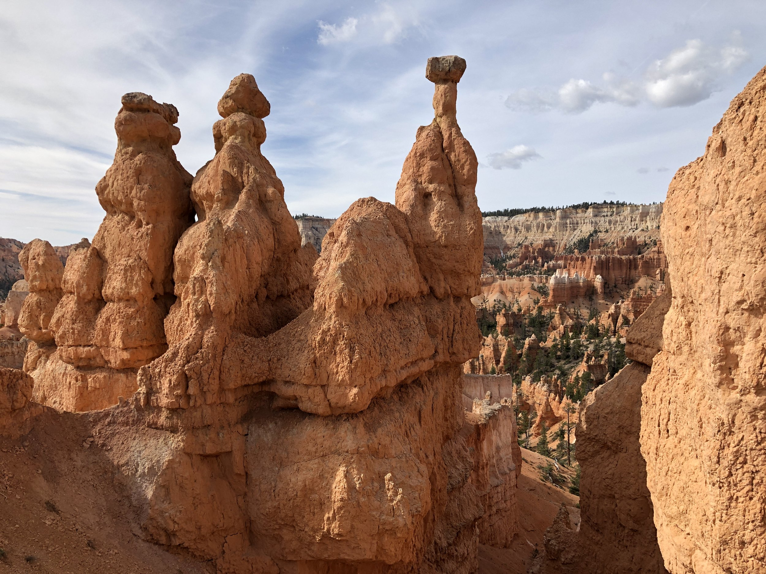 bryce-canyon-spire-hoodoos-out-office-adventure