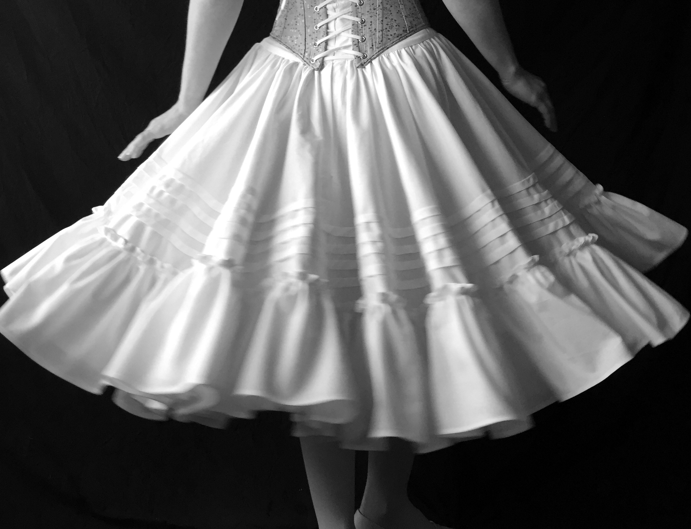 Period Corsets Ballet in spin.JPG