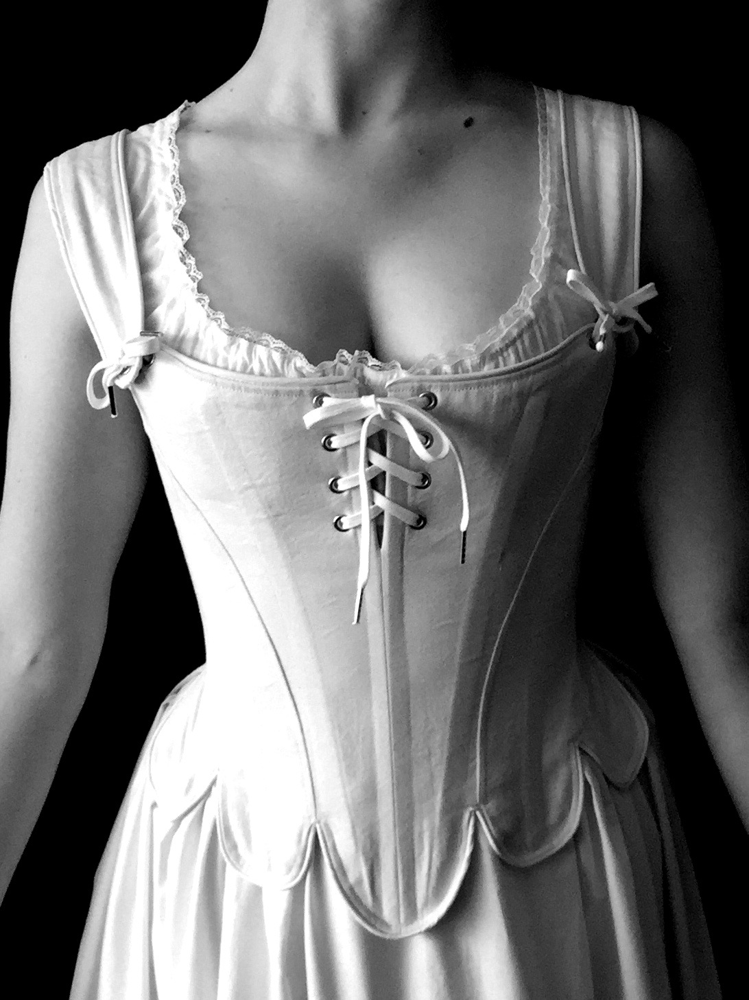 Period Corsets Sophie front.JPG