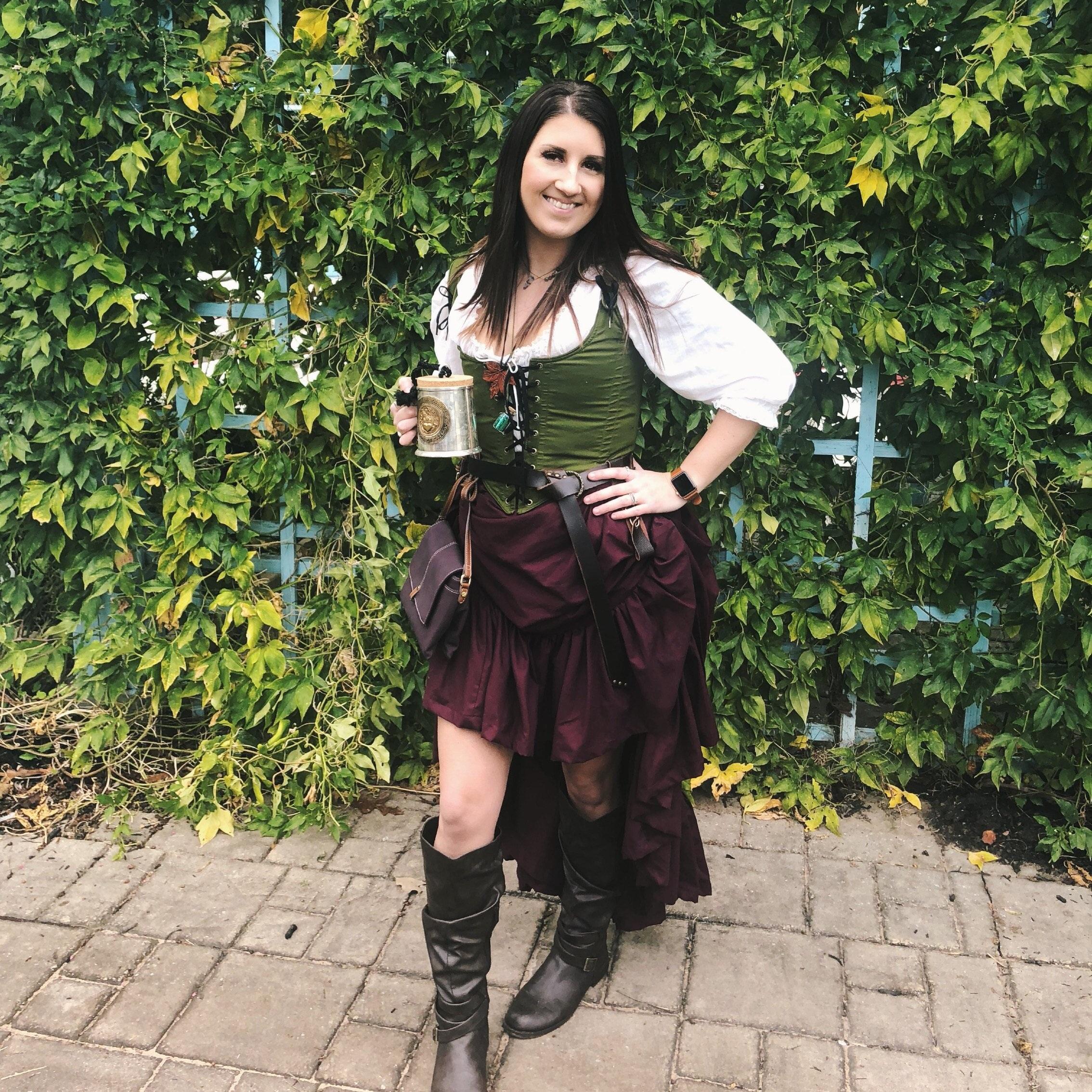 Lochlyn in Avocado bodice and Garnet skirt