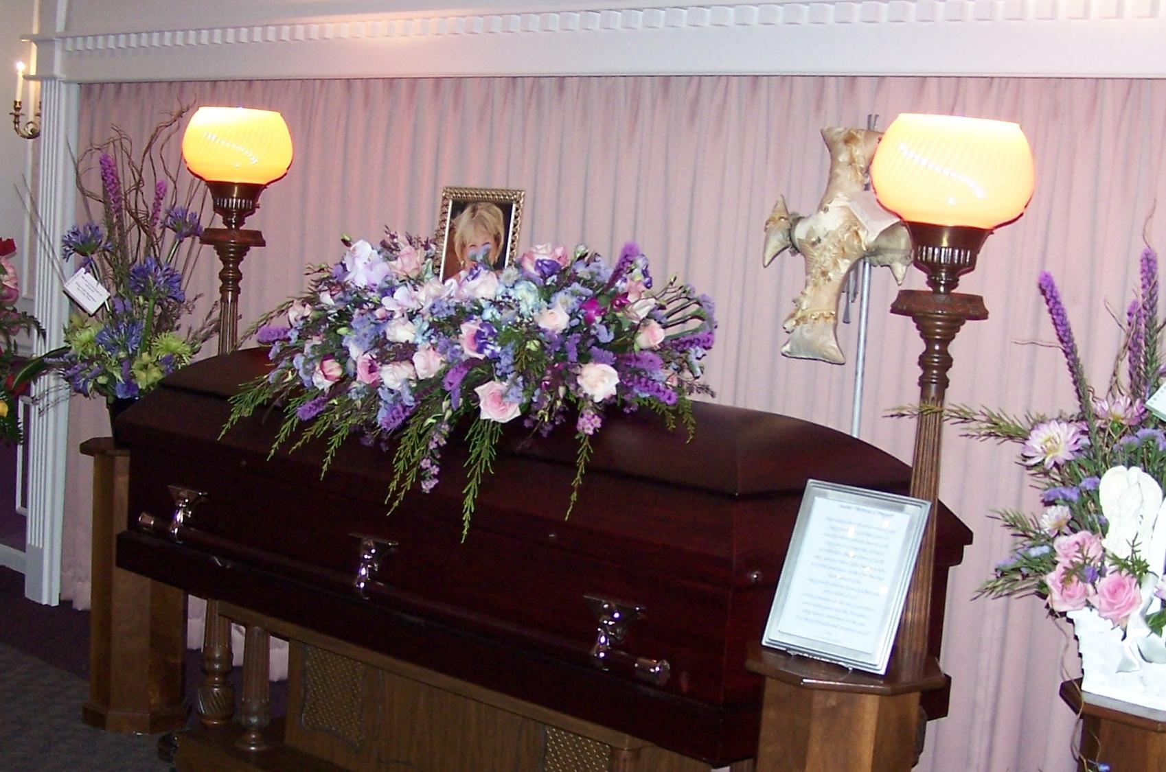 Davison-Fulton Woolsey-Wilton Funeral Home // Peoria, IL