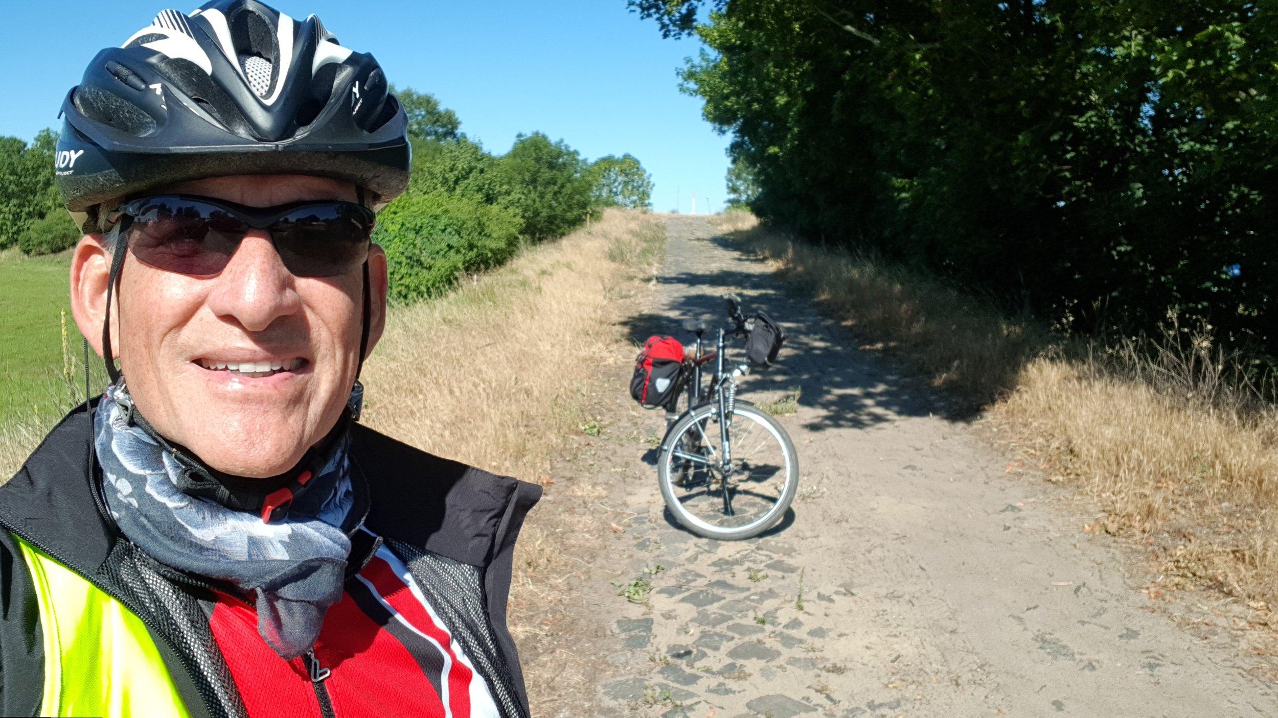 Kopfsteinpflasterweg Genshagen.jpg