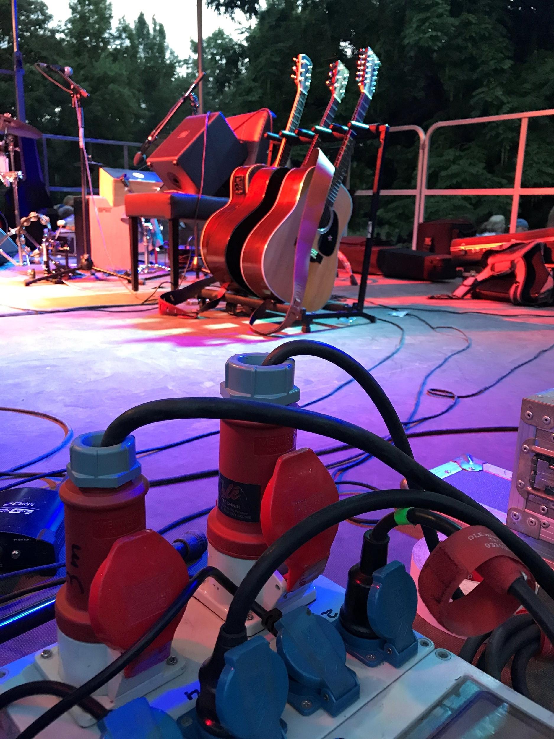 Acoustic Hippies im Englischen Garten.jpg