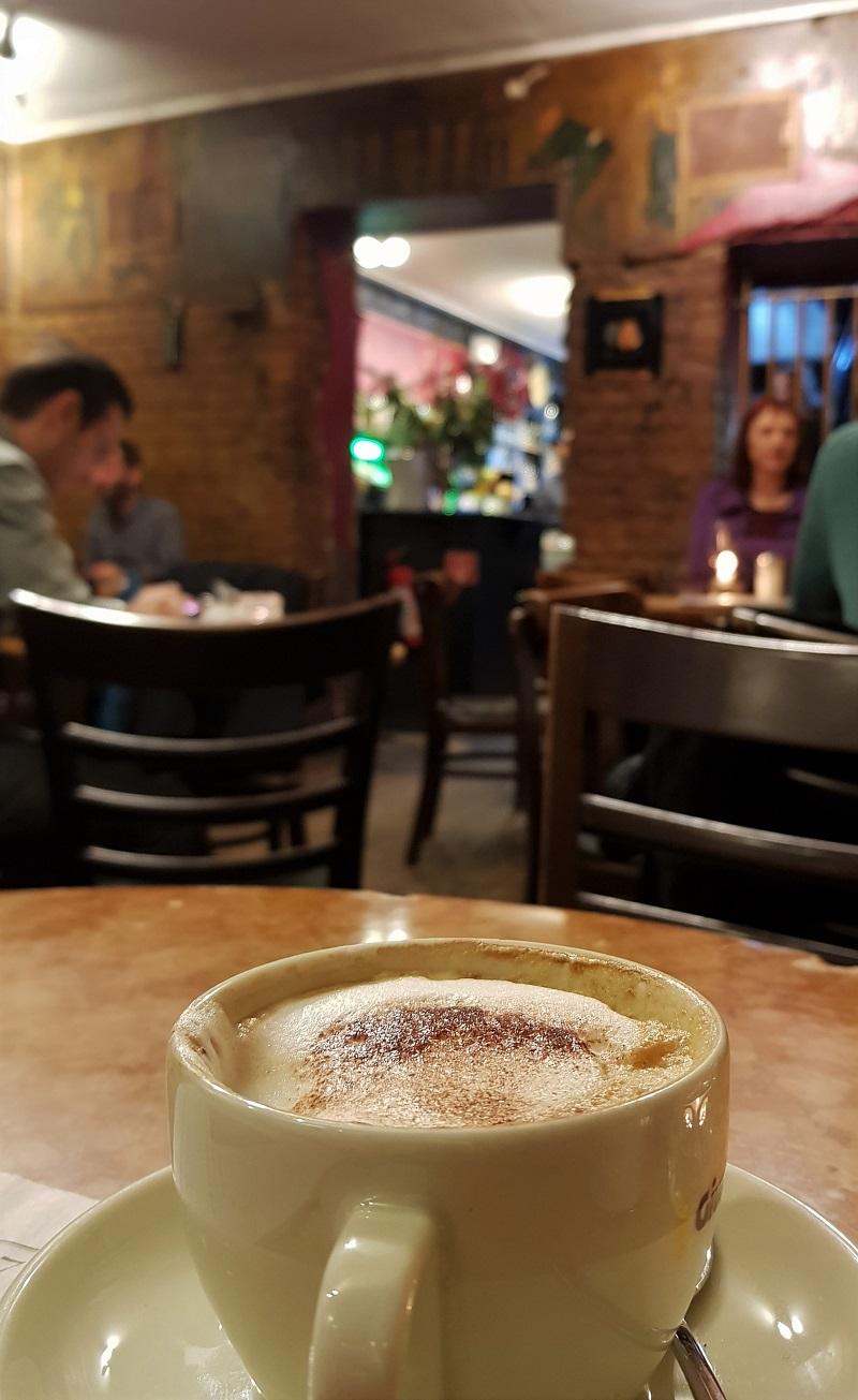 schwarzes cafe.jpg