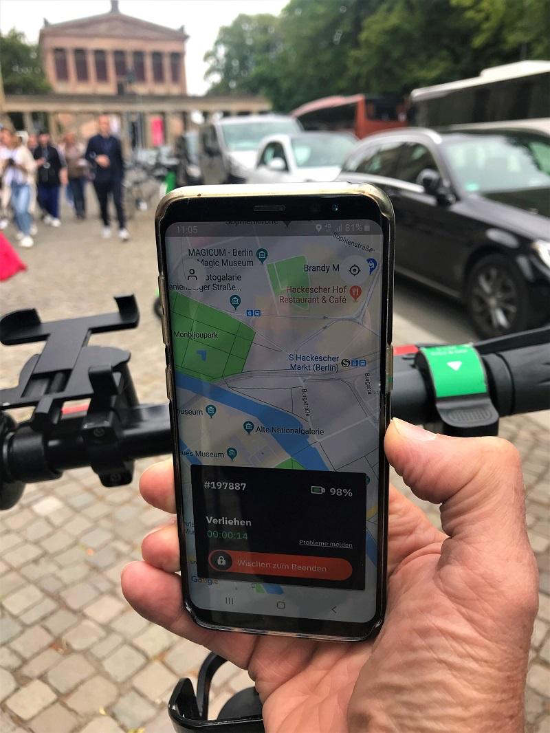 E-Scooter App-Benutzung.jpg