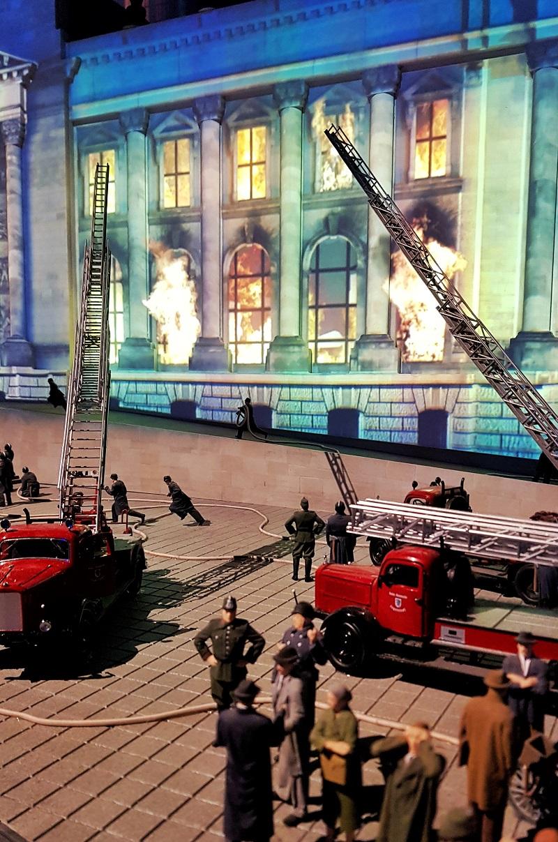 Little BIG City Berlin Reichstagsbrand.jpg