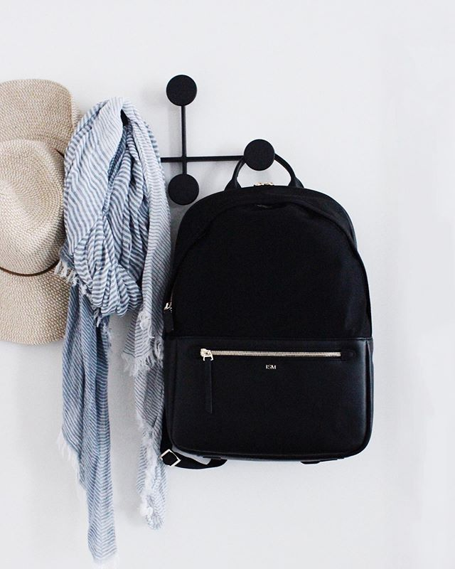 Light and functional, the ISM backpack has been a staple in my day-to-day ➰ more on #thismodernstyle.com // in collaboration with @ismbags