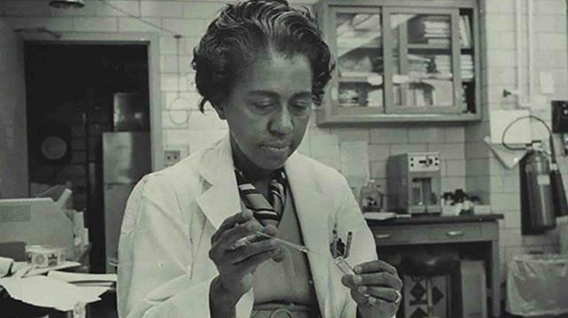 #blackhistorymonth : Marie M. Daly was the first black woman to receive a PHD in Chemistry in the U.S. #mariemdaly #womenwhodare #strongwomen #blackwomenrock #blackhistorymonth