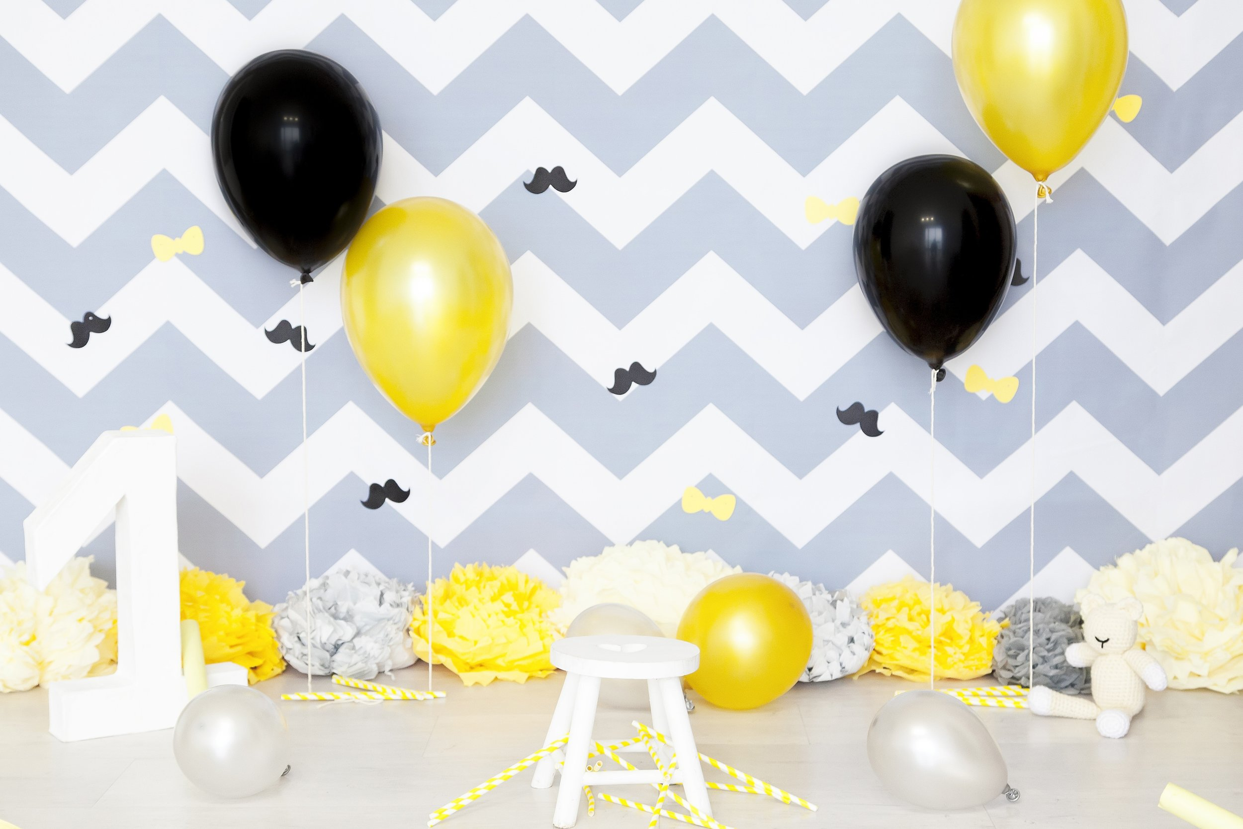 background-balloons-black-414706.jpg