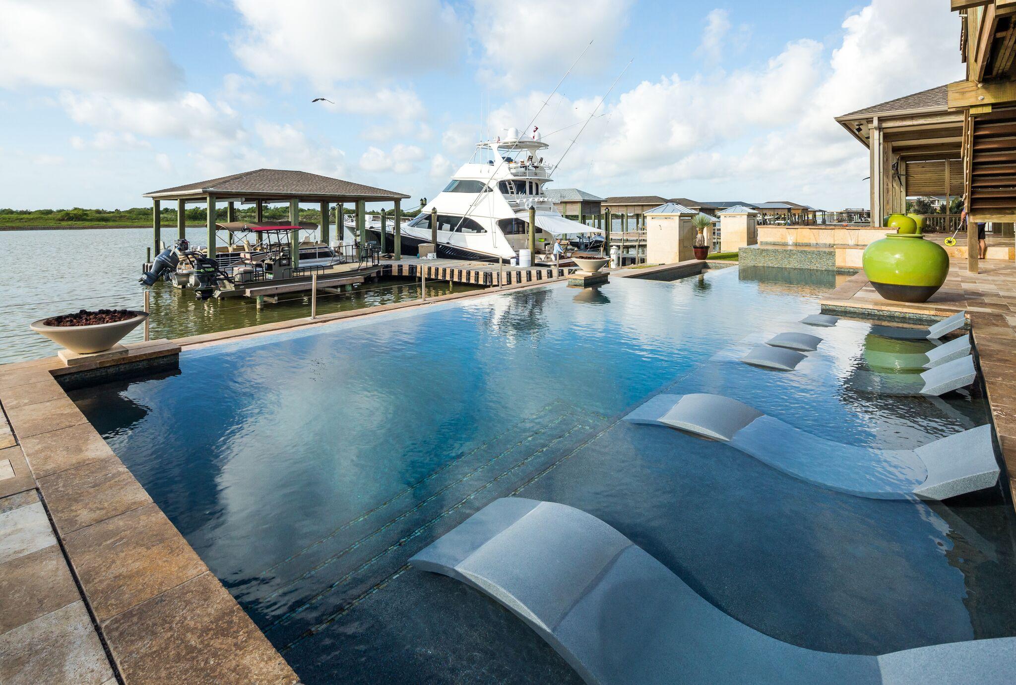 Custom Pool Builder on Texas Coast
