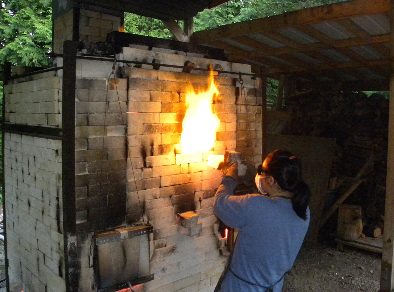 Checking the kiln temperature