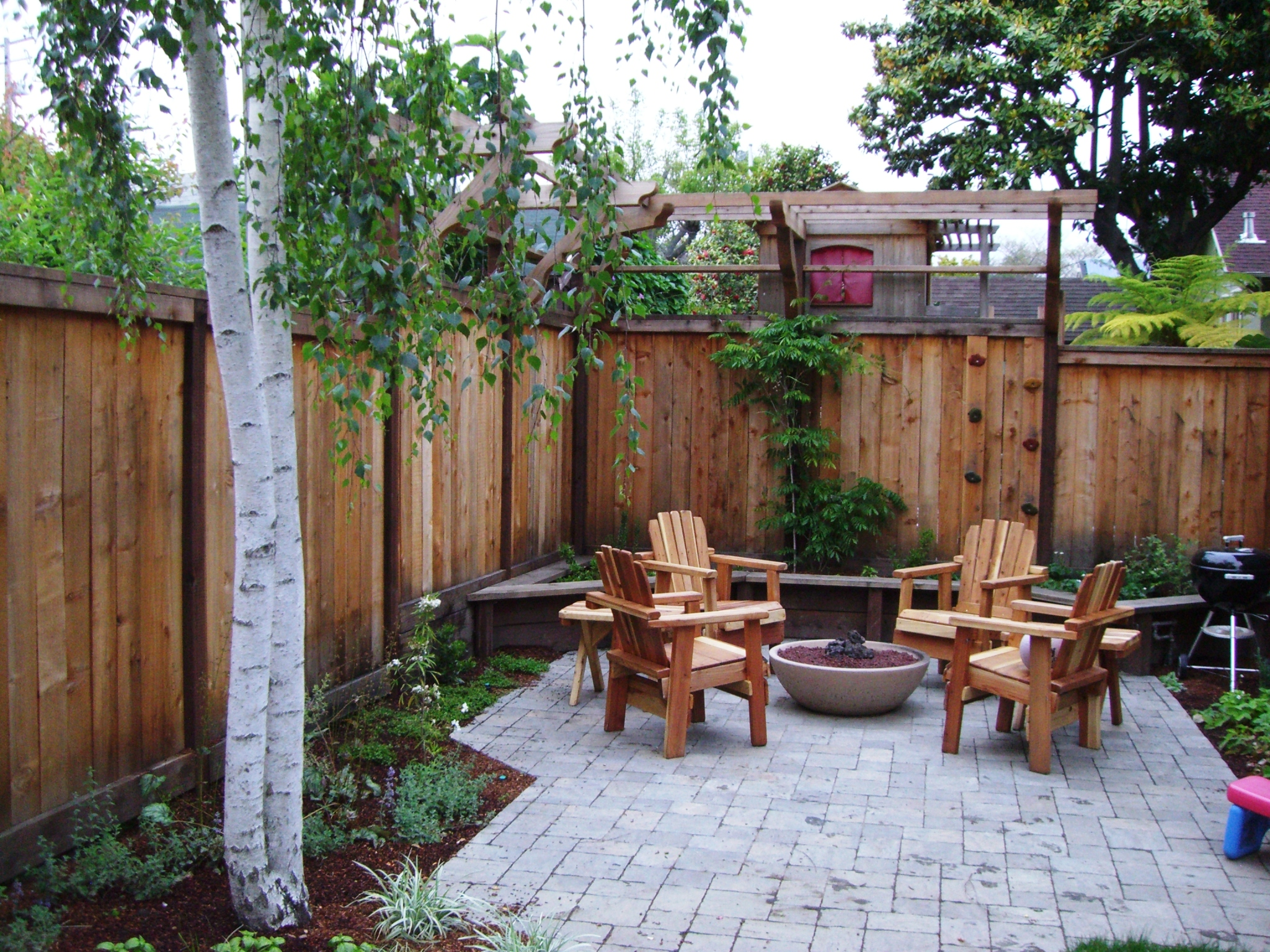 Rockridge Fire Pit and Trellis.JPG