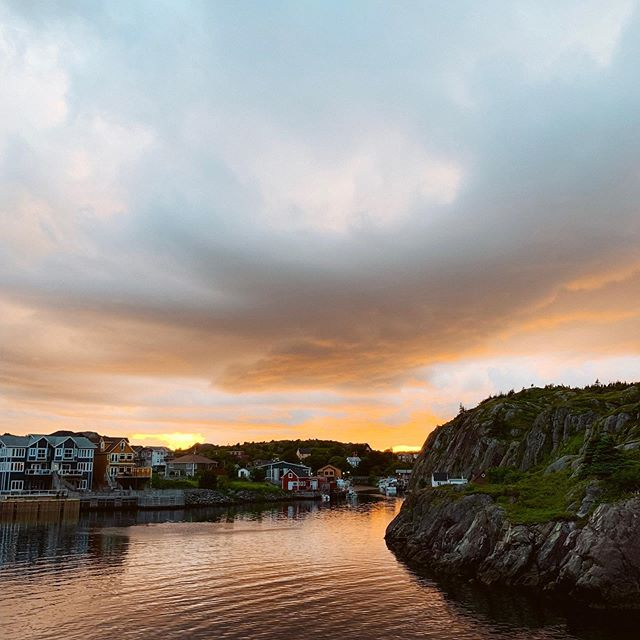 Remember that time I said you should try to catch a sunset in Quidi Vidi? 😍  #nrthwrd #claimthenorth #explorenl #explorenfld #explorenewfoundland #atlanticcanada #quidividi #newfoundland #explorecanada #nfld #fishingvillage #sunsetview #cbcnl #cangeotravel #sharecangeo #imagesofcanada #exploreeast